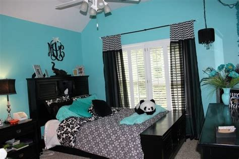 tiffany blue bedroom decor blue black and wight panda room kimi pinterest blue bedrooms tiffany blue and black rooms