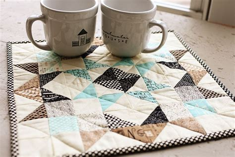 moda patterns quilt mug rugs img 9855 1 moda fabrics quilts mini