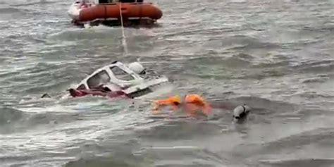 zeilboot omslaan pool omgekomen na omslaan zeilschip bij vlieland blik op