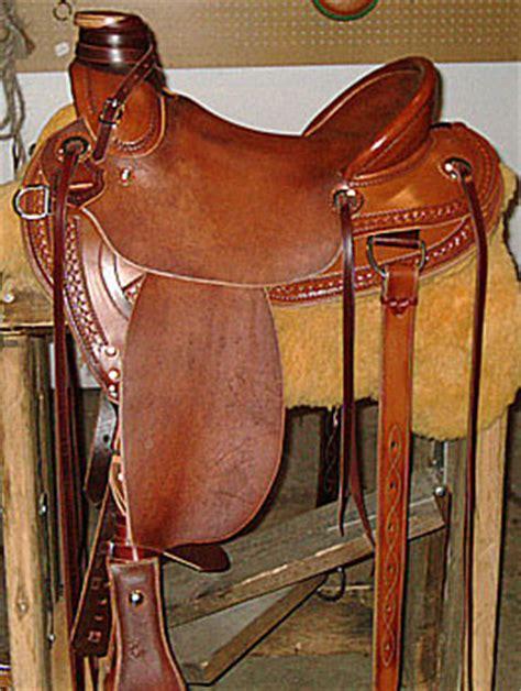snub post wade lightweight ladies mule saddle