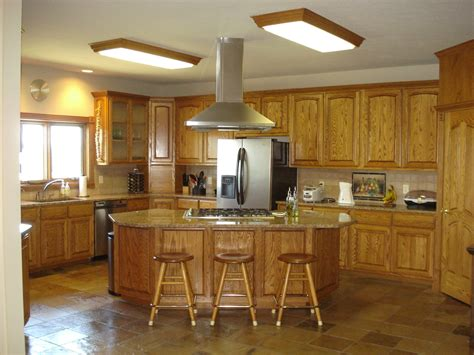 colors for kitchens with light cabinets light brown kitchen island quicua com