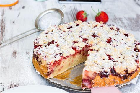 kuchen mit 2 eier joghurt kuchen mit erdbeeren und streusel kaschula