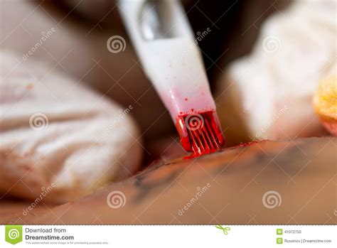 tattoo needle making making tattoo stock photo image 41072750