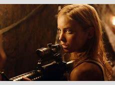 Jessica Stroup in una scena action di The Hills Have Eyes ... Jessica Stroup Hills Have Eyes 2