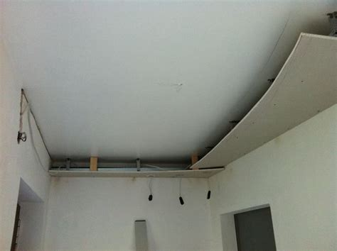 Badezimmer Decke Gipskartonplatten by Bau Einer Abgeh 228 Ngter Designdecke Mit Leuchten Hausbau