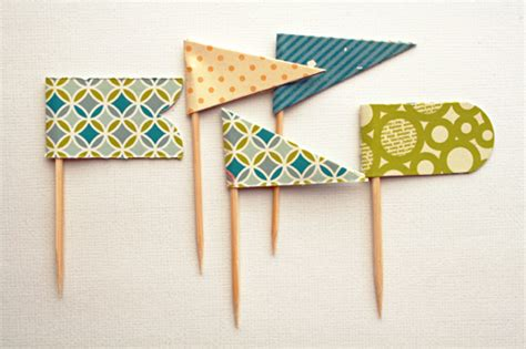 How To Make A Paper Pennant Banner - 27 links to tutorials freebies giveaways from