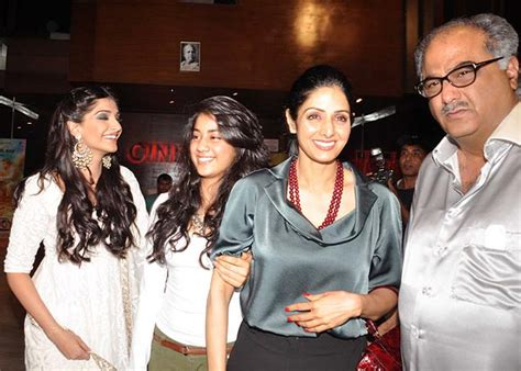 Maheswari Blaser sonam kapoor pix sonam deepika at shirin farhad premiere