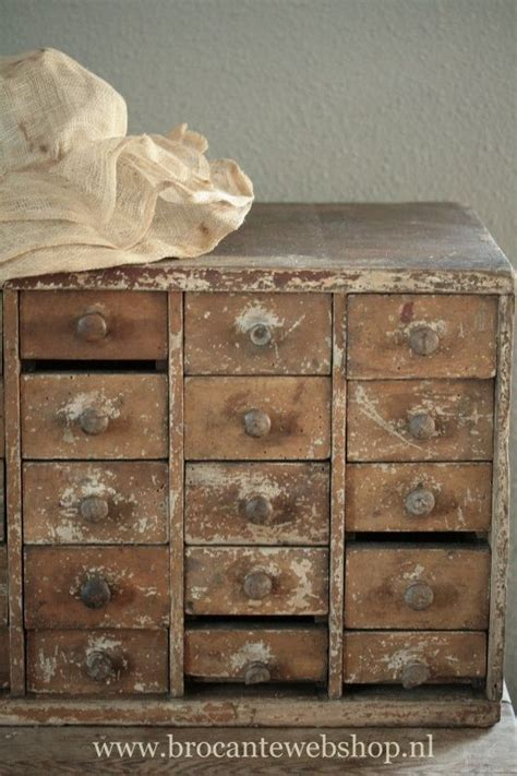 cabinet with lots of drawers 673 best images about apothecary spice cabinets lots of