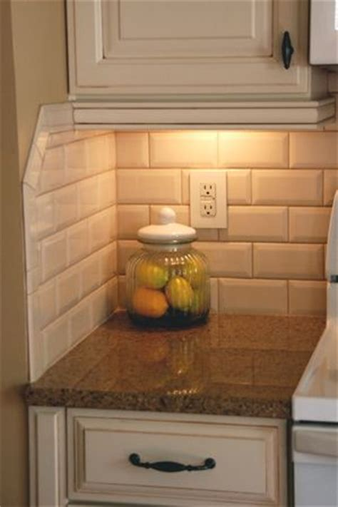 how to do backsplash tile in kitchen best 25 kitchen backsplash ideas on pinterest