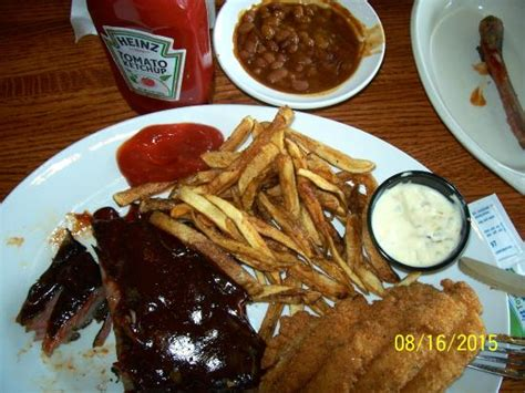 House Of China Dubuque by Catfish Charlies Dubuque Menu Prices Restaurant