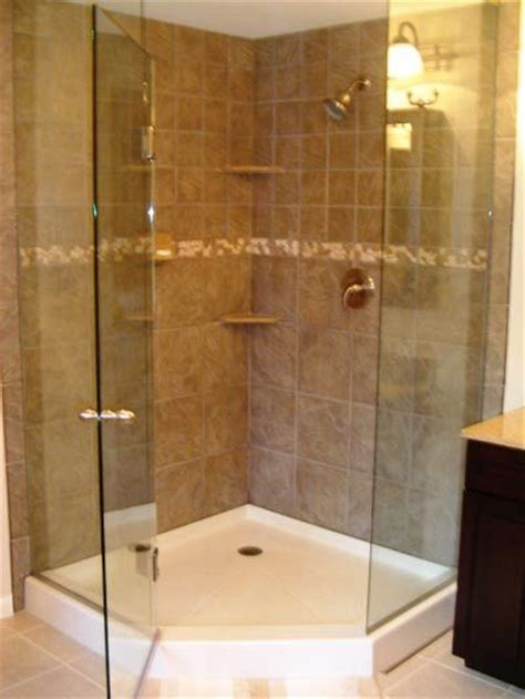 bathroom corner tiles 25 best ideas about corner shower doors on pinterest