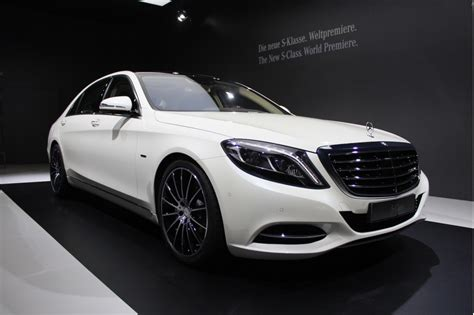 mercedes sells 100 000 s classes in a single year
