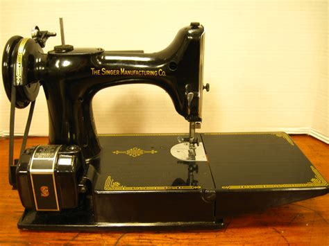 vintage singer featherweight 221 sewing machine sews antique sewing machines vintage singer featherweight
