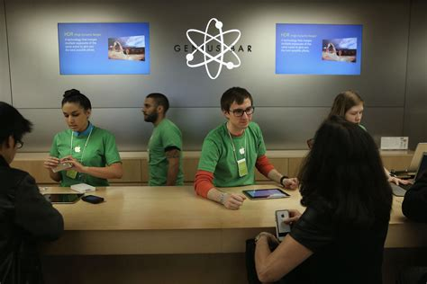 apple genius bar retired apple software whiz couldn t get a job at the
