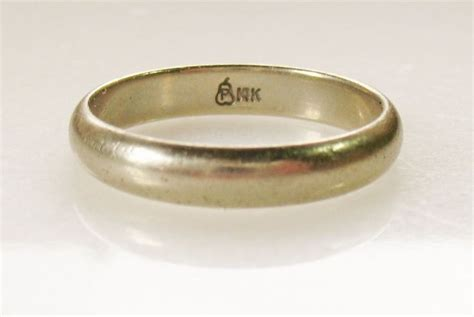 mens 14k solid gold wedding band ring marked p in pear paramount co 4 2 grams 10 paramount