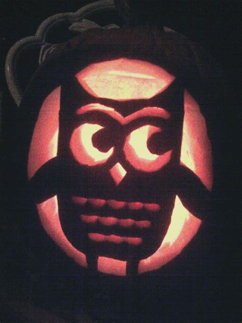 craftily me pumpkin carving