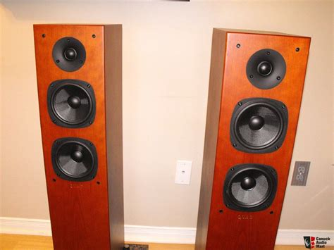 Speaker Quadt Audio 1 x pair of cherry 23l speakers photo 739960 canuck audio mart