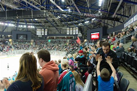 giants home playoff on monday 28th march
