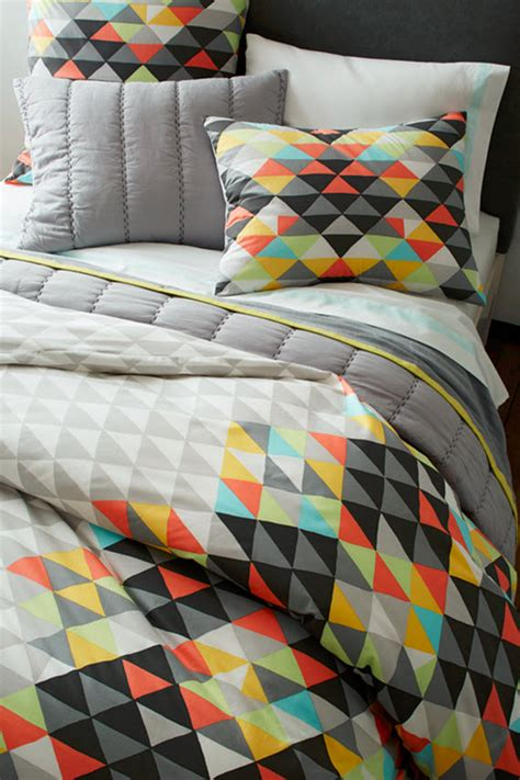 Triangle Pattern Comforter | triangle pattern bedding west elm simplified bee