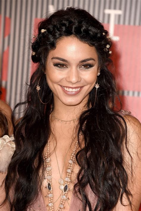 Hudgens Hairstyles by Hudgens Hair Mtv Vmas 2015 Popsugar