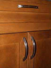Kitchen Cabinets Handles by Kitchen Countertops And Cabinet Handles Geeky Engineer