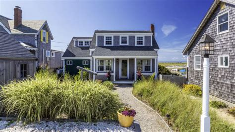 air bnb cape cod 11 gorgeous cape cod airbnbs for the perfect summer vacation