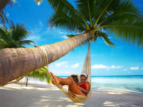 Relax in a hammock on the island of Koh Samui, Thailand wallpapers and images wallpapers