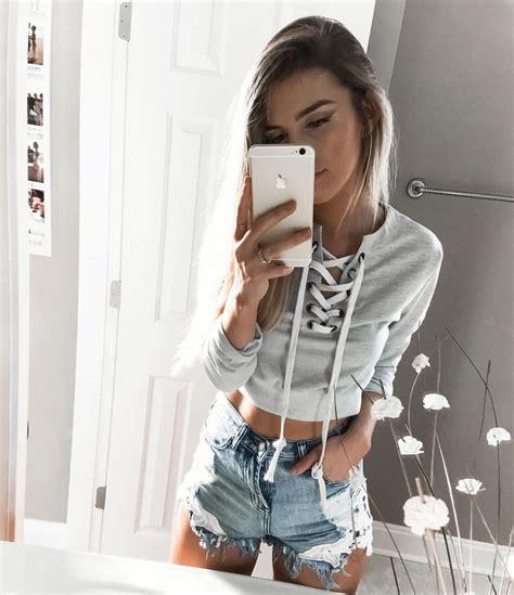 garde robe minimaliste femme kelsey floyd on instagram sweater from