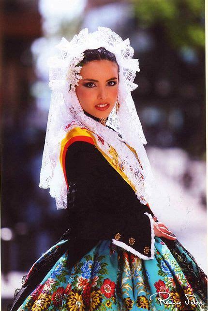 traditional spanish hair styles trajes regionales by josetonialtacostura via flickr