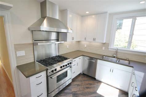 hotte moderne cuisine cuisine hotte cuisine 60 cm avec magenta couleur hotte