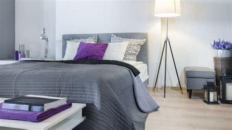 decorar habitacion matrimonio gris dormitorio en gris y blanco hogarmania