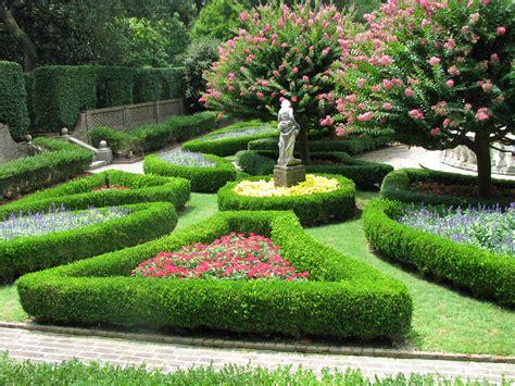 W Garden File Elizabethan Gardens Sunken Garden 02 Jpg
