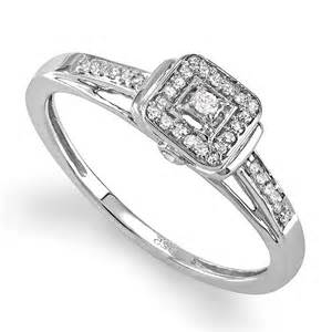 Gt discount princess halo diamond engagement ring in white gold