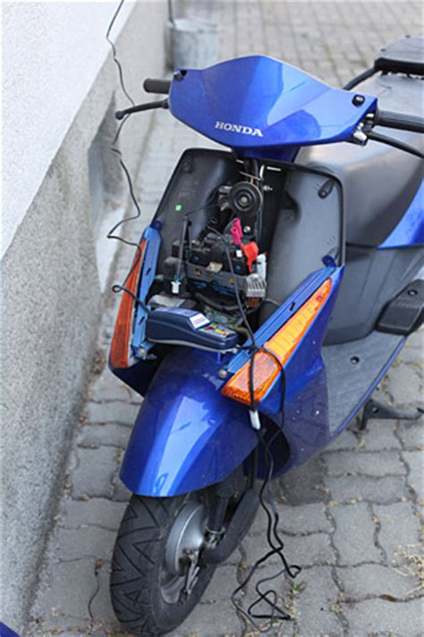 Motorrad Batterie Winter Laden by Optimate 4 Motorrad News