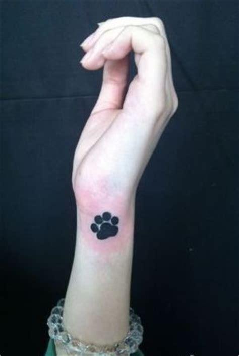 猫爪印纹身图案