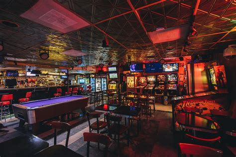 top austin bars the best bars with games in austin