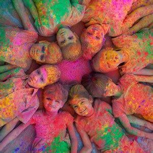holi wallpaper girl and boy download holi color design with boy and girl holi