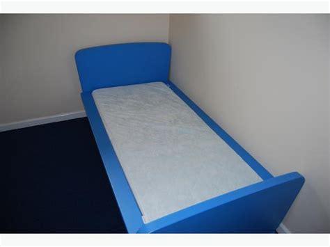 ikea kinderbett mammut blau blue ikea mammut bed mattress wolverhton walsall