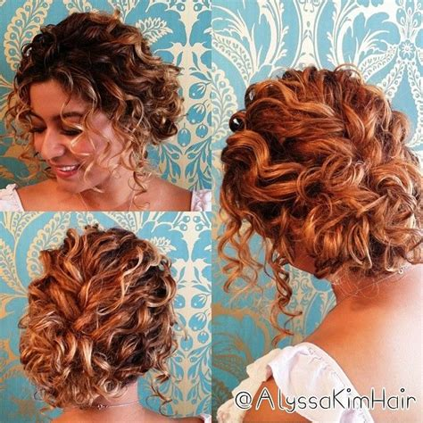Wedding Hairstyles For Really Curly Hair by 25 Best Ideas About Wedding Hairstyles For Curly Hair On