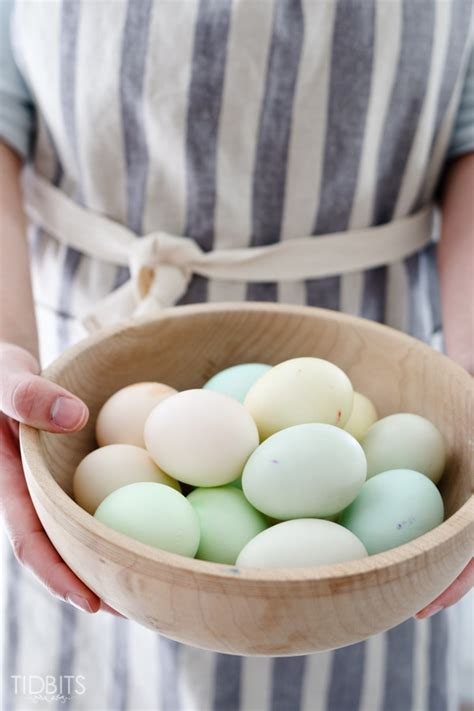 dying easter eggs with food coloring how to dye eggs with food coloring tidbits