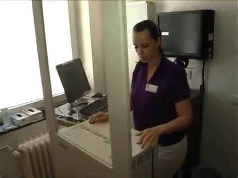 mammographie screening ab wann brustkrebsvorsorge mammographie screening wie l 228 uft so