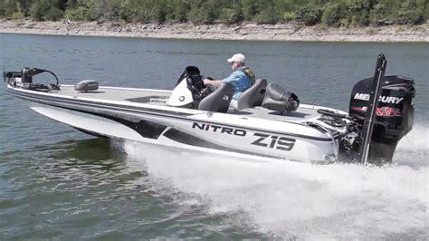 nitro boats z19 sport nitro boats z19 complete review by boattest doovi