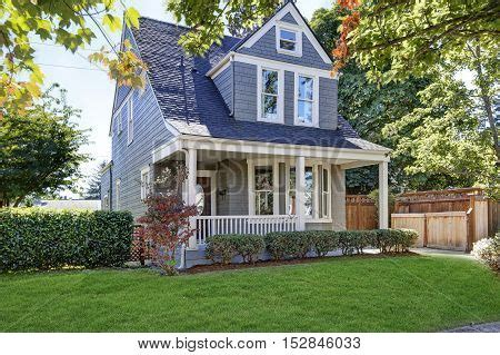 the american beauty houses photos appealing images stock photos illustrations bigstock