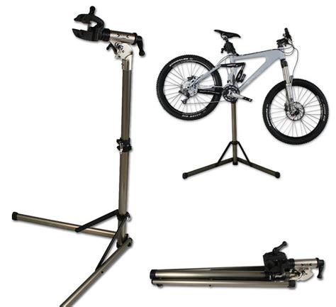 piedistallo per bici cicli montanini attrezzature cavalletti manut union bt 999