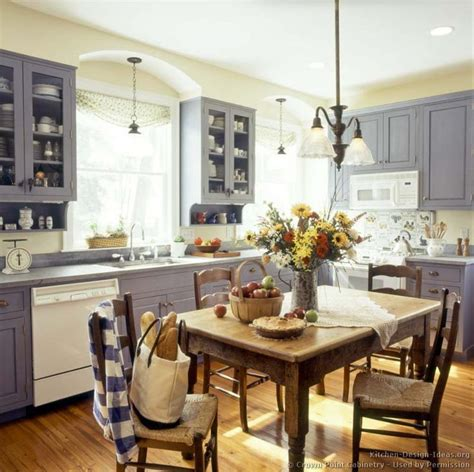Early American Kitchen Cabinets Kitchen Of The Day Early American Kitchens By Crown Point Cabinetry Kitchens Pinterest