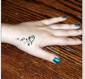 30 outstanding back hand tattoo designs for girls sheplanet