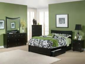 Wall Color Schemes by Bloombety Modern Bedroom Interior Wall Green Paint Color