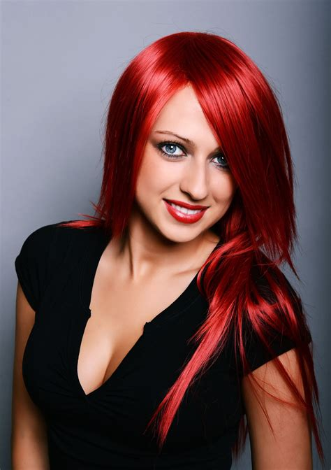 red hair with blonde highlights are an attention grabbing look