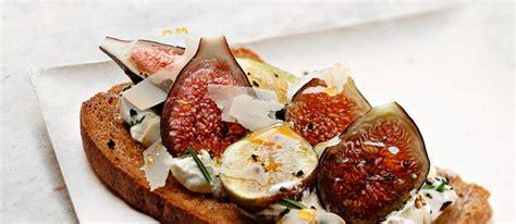 comment cuisiner les figues tartines de caill 233 de brebis figue et miel par alain