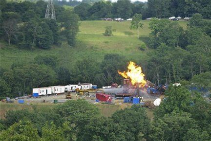 natural gas well explosion burns 7 workers in west